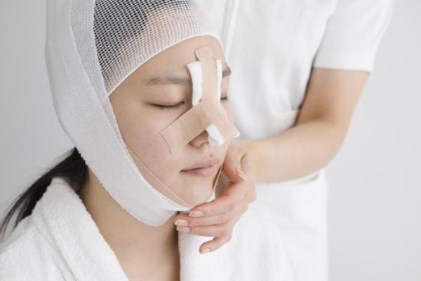 Как делается операция по выпрямлению носовой перегородки и стоимость