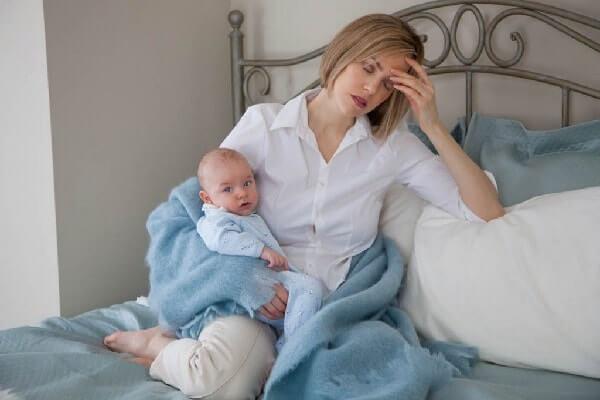 После родов сильно выпадают волосы что делать