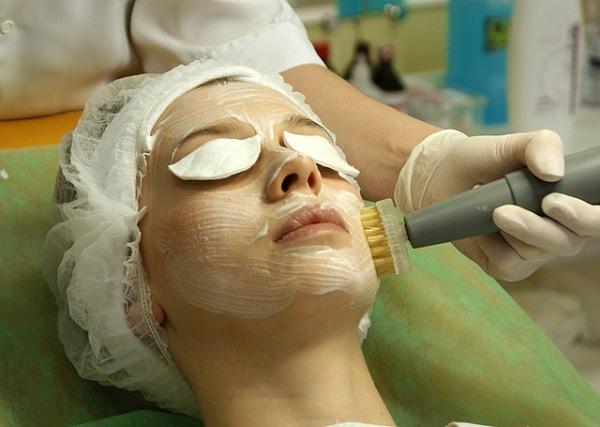 Щетка брашинг для лица