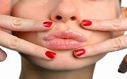 Методы увеличения губ без инъекций