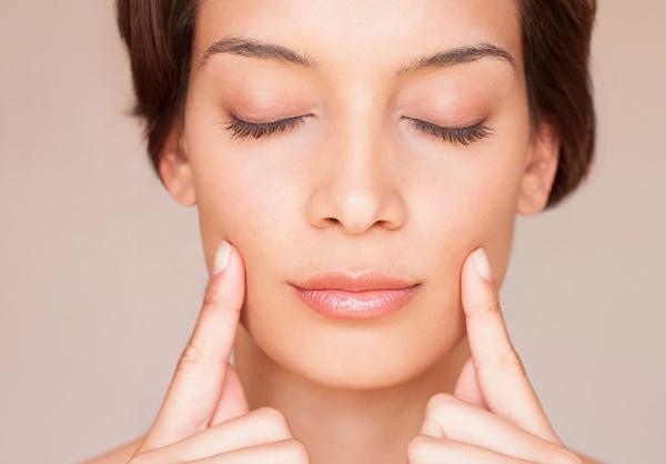 Увеличение губ без инъекций у косметолога