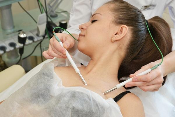 Возможно ли восстановить упругость груди после кормления