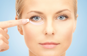 Как без операции избавиться от грыж под глазами